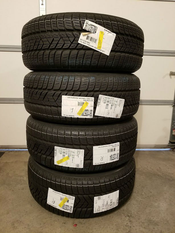 (4)NEWPirelli_Scorpion_Winter_RunFlat_255-55R18